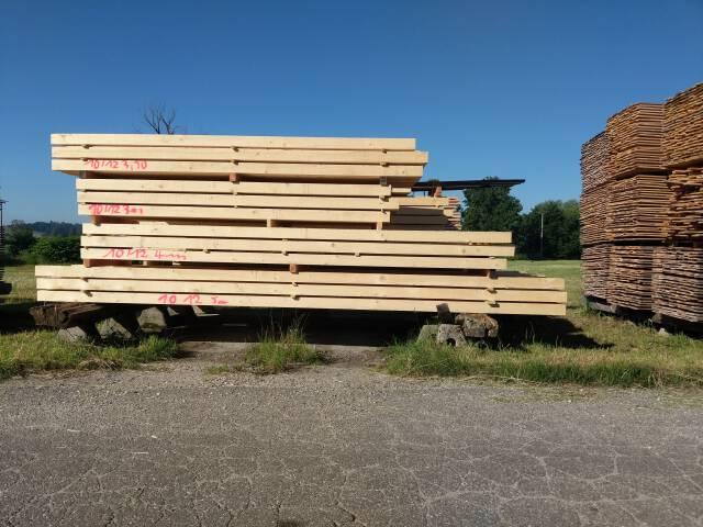 gesägtes Holz